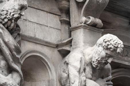 Estatuas en una fachada en Milán, Italia. © mateoht 1990-2013 - http://lafotodeldia.net
