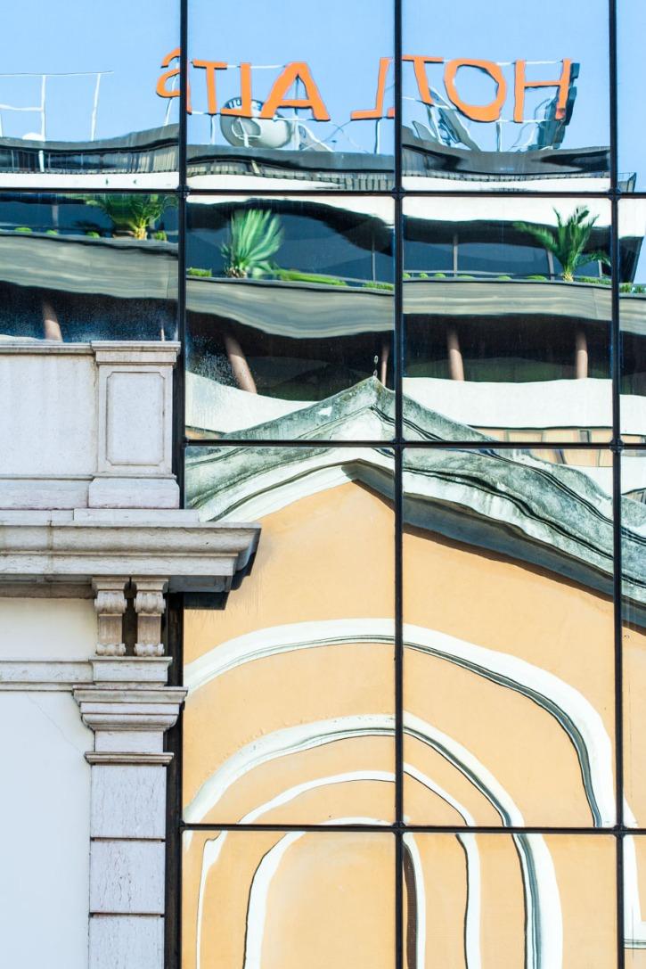 Reflejos en el cristal de un edificio, Lisboa. © mateoht 1990-2013 - http://lafotodeldia.net
