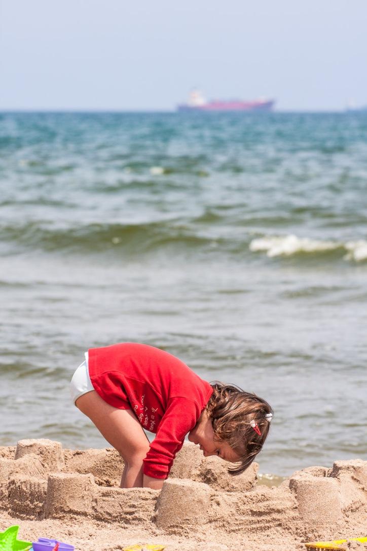 Niño en la playa en Denia, Alicante. © mateoht 1990-2013 - http://lafotodeldia.net
