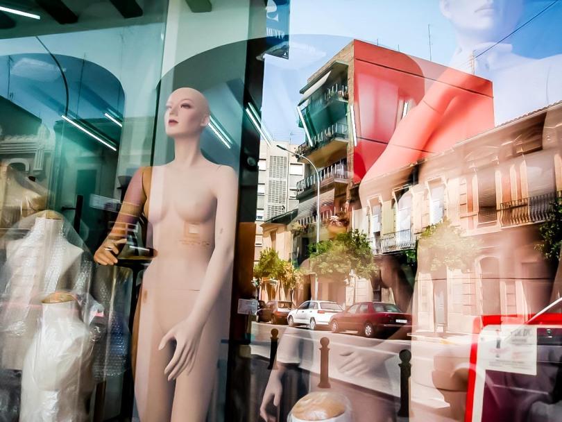 Maniquies en eu escaparate de Valencia. © mateoht 1990-2013 - http://lafotodeldia.net