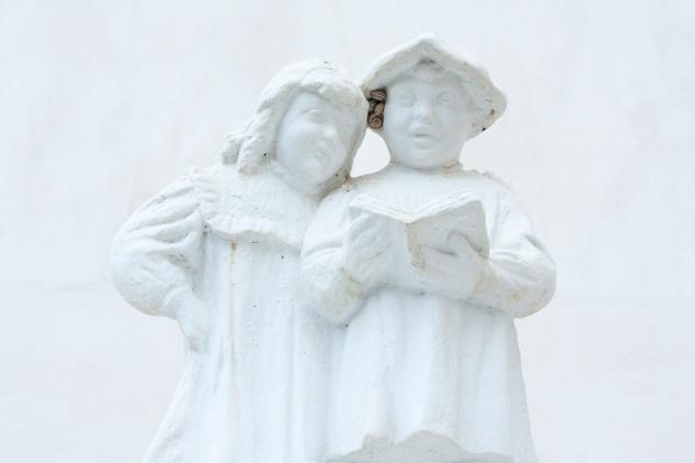 Pequeña estátua en La Murta, Alzira. © mateoht 1990-2013 - http://lafotodeldia.net