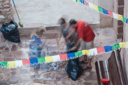 Limpiando en Villafamés, Castellón. © mateoht 1990-2013 - http://lafotodeldia.net