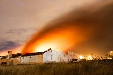 Incendio en la Cooperativa Agrícola San José, Alcàsser. © mateoht 1990-2013 - http://lafotodeldia.net