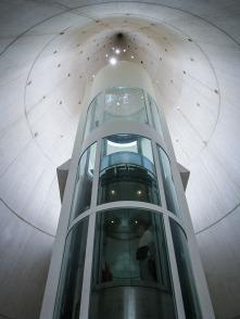 Ascensor en la Ciudad de las Ciencias, Valencia. © mateoht 1990-2013 - http://lafotodeldia.net