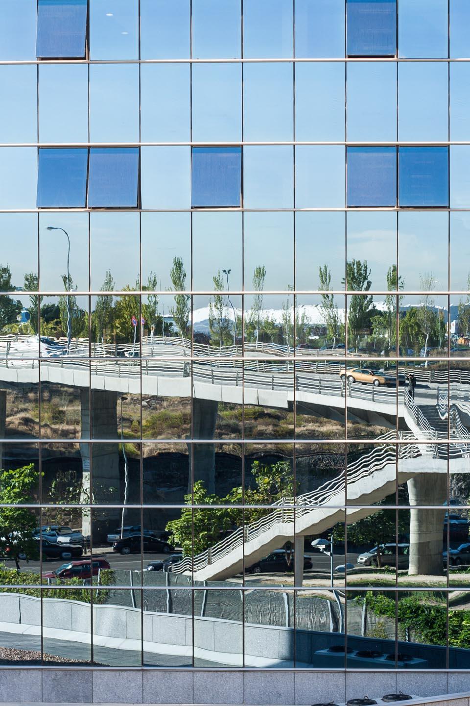 Reflejos en edificio, Madrid.© mateoht 1990-2014 - http://lafotodeldia.net